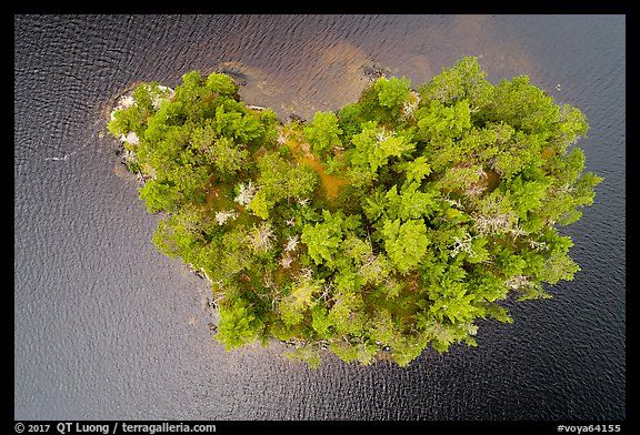 Aerial view of islet, Squirrel Narrows, Namakan Lake. Voyageurs National Park (color)