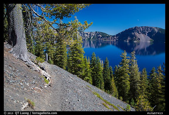 Wizard Island summit trail. Crater Lake National Park (color)