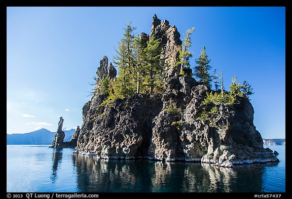 Phantom Ship Island. Crater Lake National Park (color)