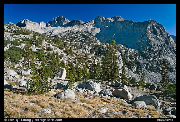 Mt Giraud chain, Lower Dusy basin. Kings Canyon National Park (color)
