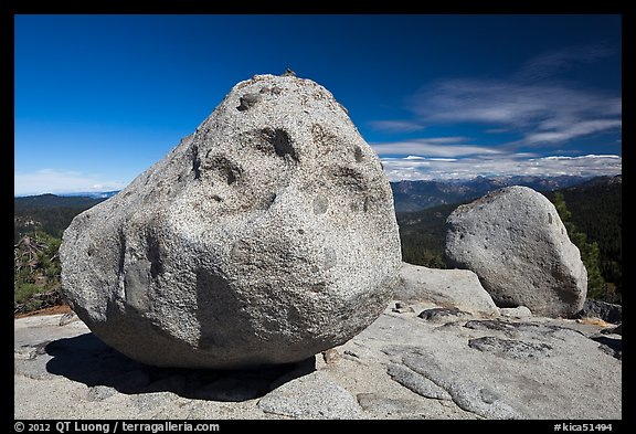 Glacial erratics, Buena Vista. Kings Canyon National Park (color)