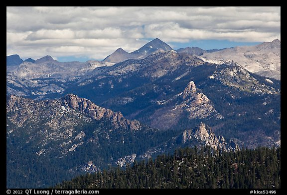 Sierra Peaks. Kings Canyon National Park (color)