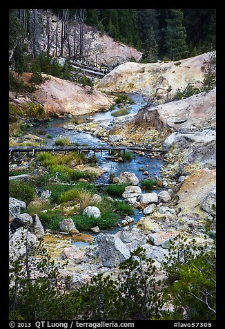 Hot Springs Creek, Devils Kitchen. Lassen Volcanic National Park (color)