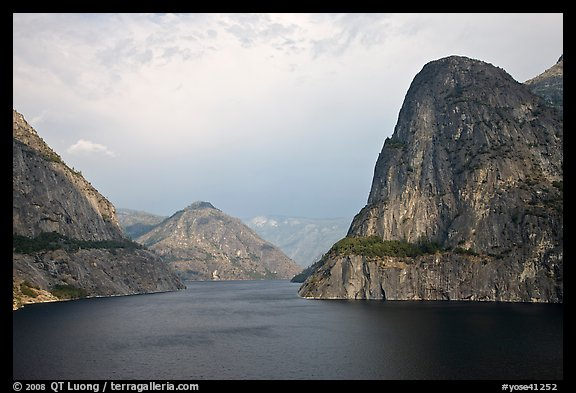 Kolana Rock and Hetch Hetchy reservoir, afternoon. Yosemite National Park (color)