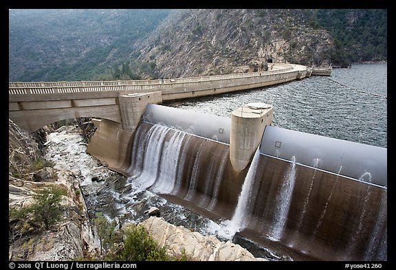 Overflow channel,  O'Shaughnessy Dam. Yosemite National Park (color)