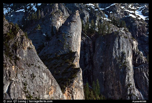 Cliffs and Leaning Tower. Yosemite National Park (color)