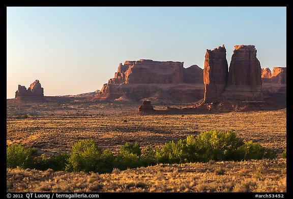 Courthouse Wash and sandstone fins. Arches National Park (color)