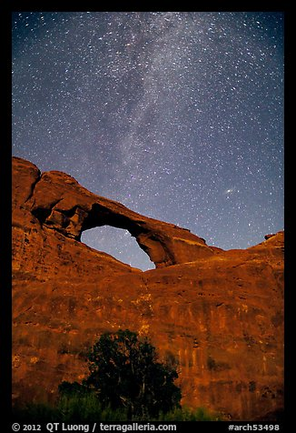 Skyline Arch and Milky Way. Arches National Park (color)