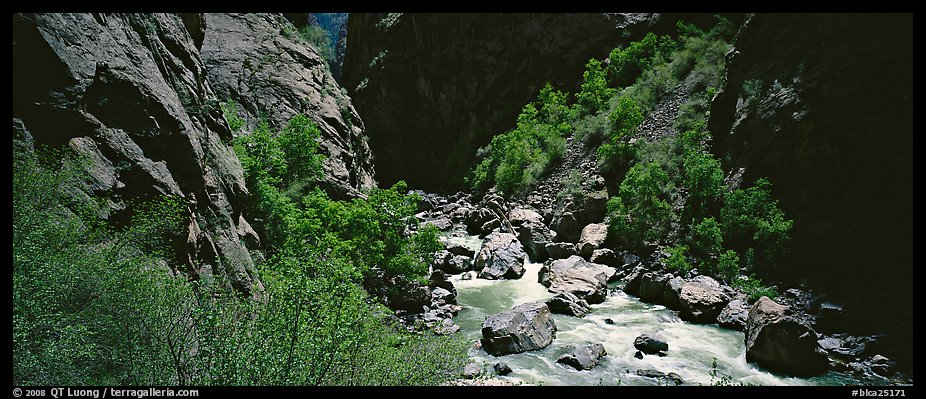 Gorge bottom and Gunnisson River. Black Canyon of the Gunnison National Park (color)