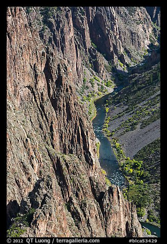 Cliffs and river in autumn. Black Canyon of the Gunnison National Park (color)