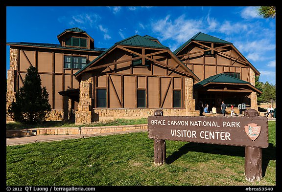 Visitor center. Bryce Canyon National Park (color)