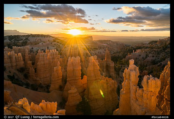 Sunrise, Fairyland Point. Bryce Canyon National Park (color)