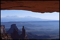 Mesa Arch, pinnacles, La Sal Mountains, early morning, Island in the sky. Canyonlands National Park, Utah, USA.
