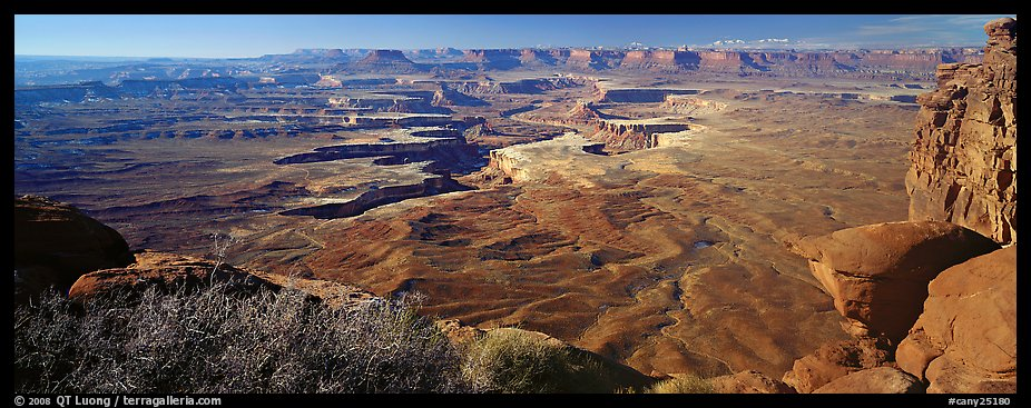 Canyon scenery, Island in the Sky. Canyonlands National Park (color)