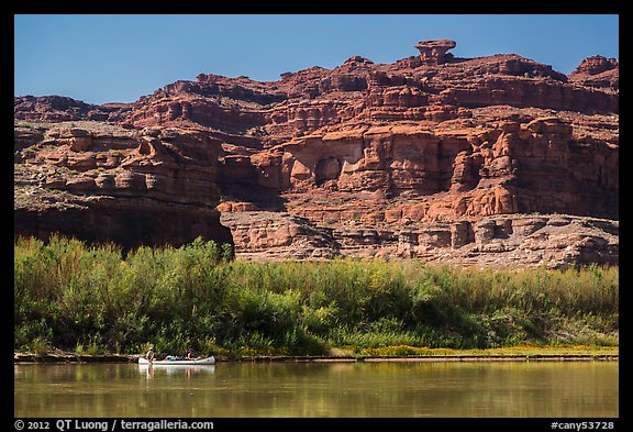 Canoeists and cliffs, Colorado River. Canyonlands National Park (color)