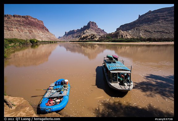 Jetboat and raft on Colorado River. Canyonlands National Park, Utah, USA.