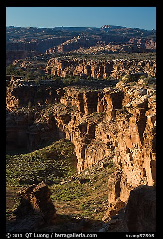 Cliffs near the Dollhouse. Canyonlands National Park (color)