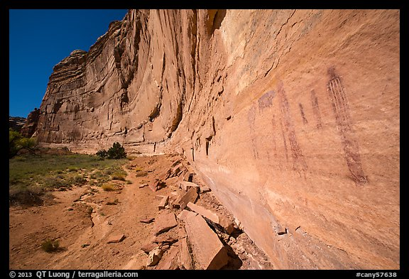 Rock art and cliff in Pictograph Fork. Canyonlands National Park (color)