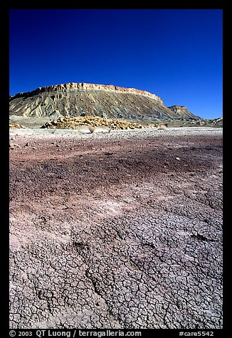 Bentonite Badlands and cliffs, Nottom Bullfrog Road. Capitol Reef National Park (color)
