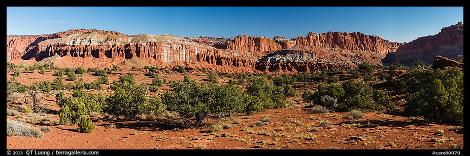 Mummy cliffs. Capitol Reef National Park (color)