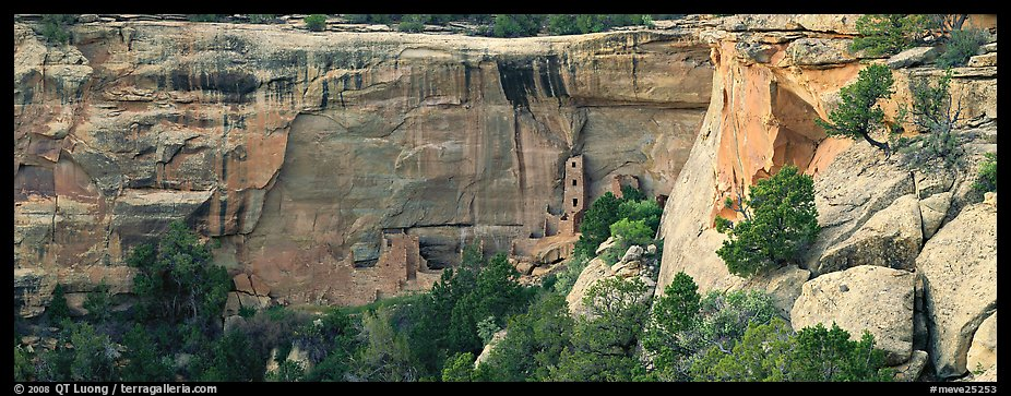 Cliffs and Ancestral pueblo ruin. Mesa Verde National Park (color)
