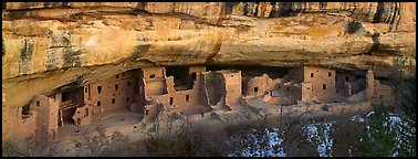 Spruce Tree House under rock overhang, Chapin Mesa. Mesa Verde National Park (Panoramic color)