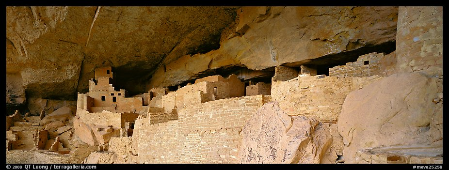 Cliff Palace, largest Anasazi cliff dwelling. Mesa Verde National Park (color)