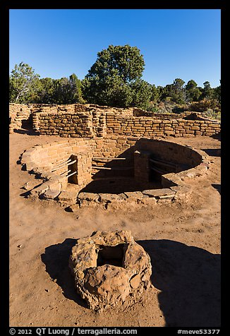 Oven and kiva, Coyote Village. Mesa Verde National Park (color)