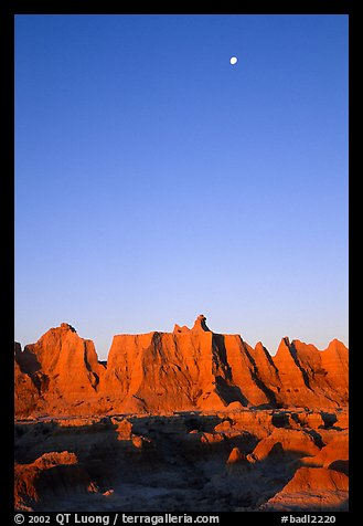 Moon and erosion formations, Cedar Pass, dawn. Badlands National Park (color)