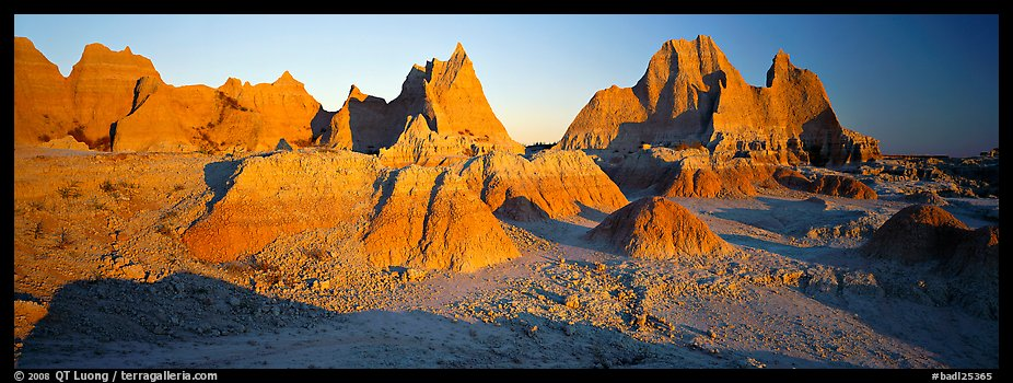 Badlands landscape, early morning. Badlands National Park (color)