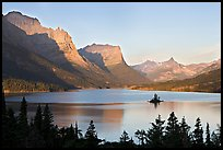 St Mary Lake, Wild Goose Island, sunrise. Glacier National Park, Montana, USA.