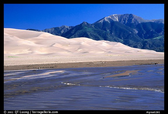 Mendonca creek, dunes and Sangre de Christo mountains. Great Sand Dunes National Park and Preserve, Colorado, USA.