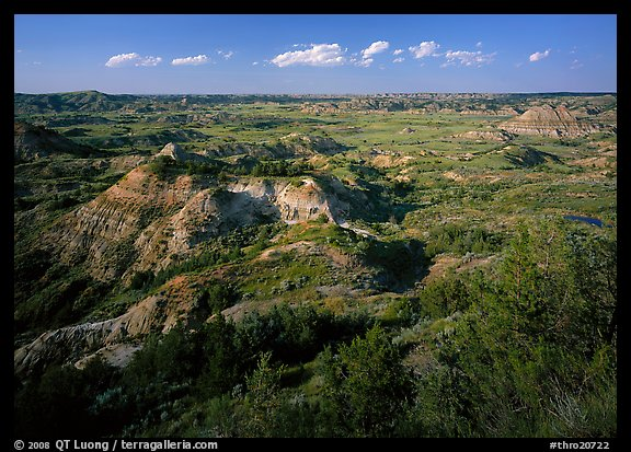 Painted Canyon, late afternoon. Theodore Roosevelt National Park (color)