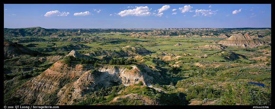 Rugged northern badlands landscape. Theodore Roosevelt National Park (color)