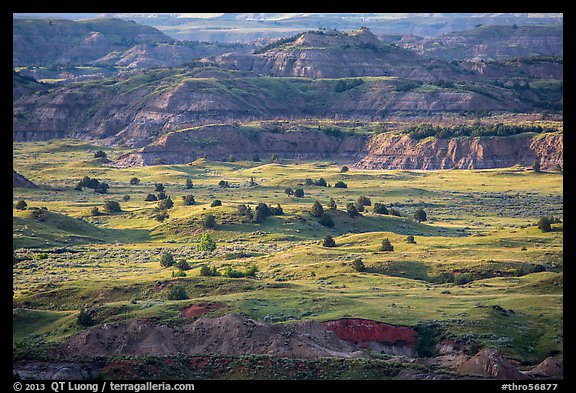 Late afternoon light, Painted Canyon. Theodore Roosevelt National Park (color)