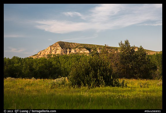 Badlands in late afternoon, Elkhorn Ranch Unit. Theodore Roosevelt National Park (color)