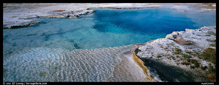 Turquoise thermal pool. Yellowstone National Park (color)