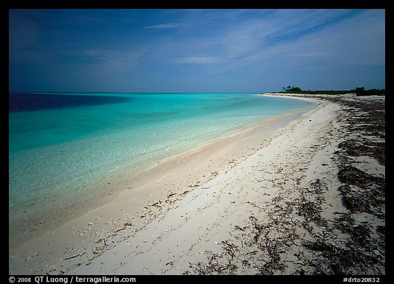 Sandy beach and turquoise waters, Bush Key. Dry Tortugas National Park (color)