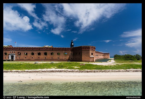 Beach, Garden Key, and Fort Jefferson. Dry Tortugas National Park (color)