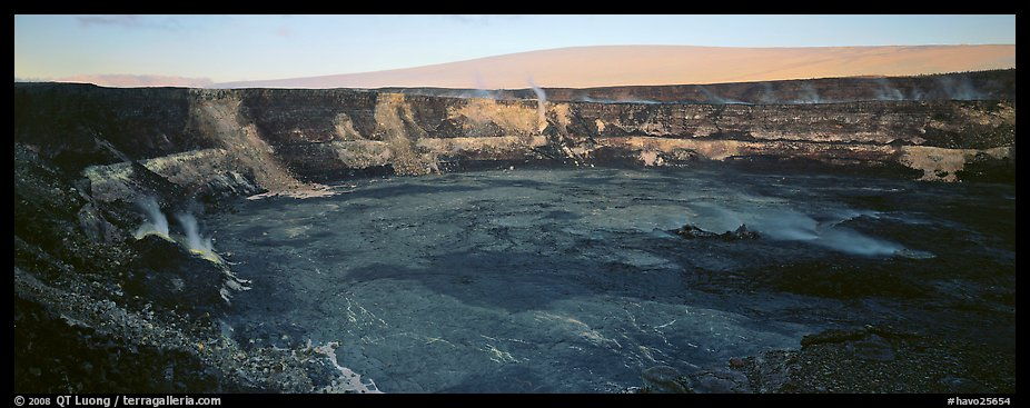Volcanic crater and extinct shield volcano. Hawaii Volcanoes National Park (color)
