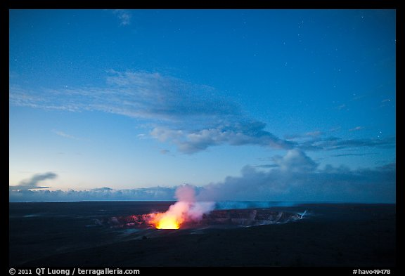 Kilauea Volcano glow from vent. Hawaii Volcanoes National Park (color)