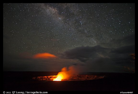 Glowing crater, plume, and Milky Way, Kilauea summit. Hawaii Volcanoes National Park (color)
