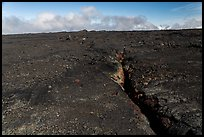 Lava fissure, Mauna Loa North Pit. Hawaii Volcanoes National Park ( color)