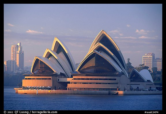Opera house. Sydney, New South Wales, Australia (color)