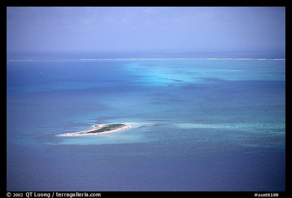 Island. The Great Barrier Reef, Queensland, Australia (color)