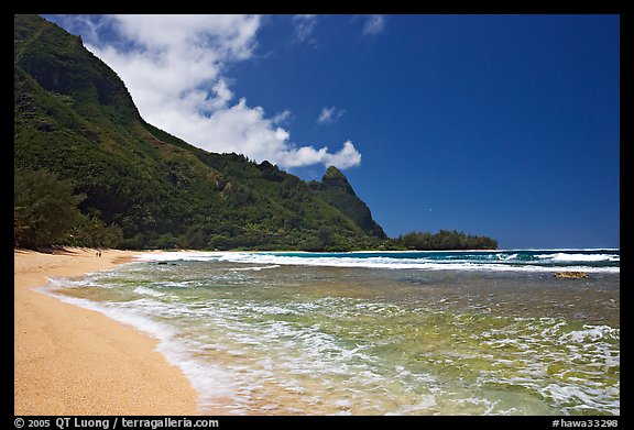 Tunnels Beach, and Makua Peak. North shore, Kauai island, Hawaii, USA (color)