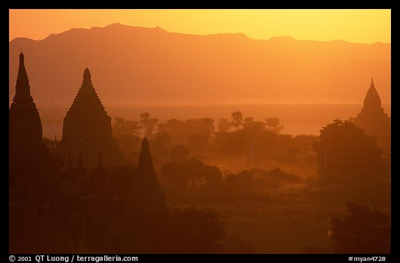 Sunset from Shwesandaw. Bagan, Myanmar (color)