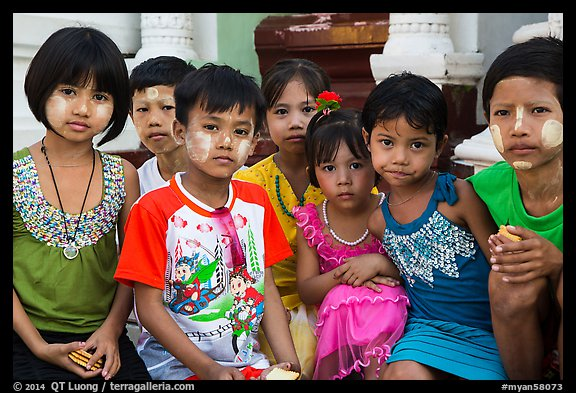 Children, Shwedagon Pagoda. Yangon, Myanmar (color)