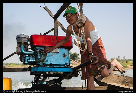 Boatman with one cylinder engine, Ava. Myanmar (color)