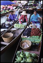 Small boats loaded with food, Floating market. Damonoen Saduak, Thailand (color)